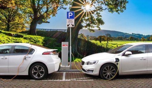 Comment fonctionne une voiture hybride ?