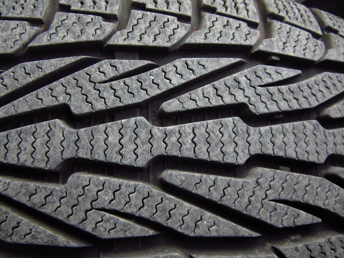 pneus-directionnels